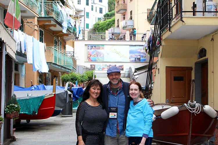 cinque terre walking tours for foodies