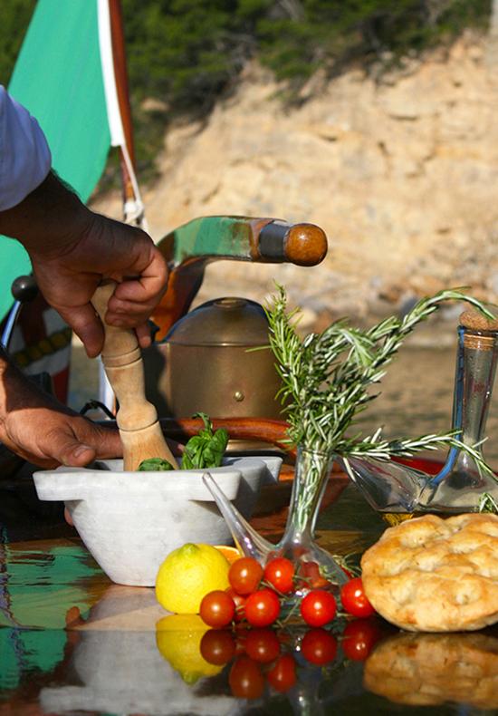 cinque terre pesto making, cooking classes