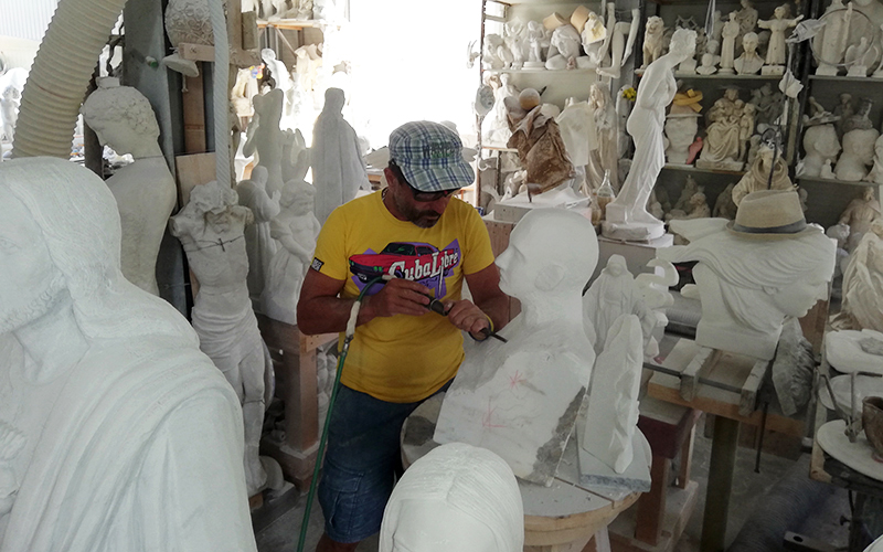 carrara marble quarries and sculpture workshop